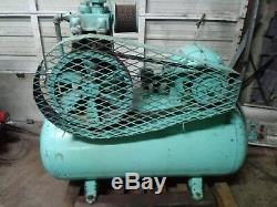 60 Gallon Quincy Air Compressor 5 H. P. Runs Great