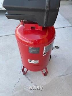 Craftsman 30 gallon 150 PSI 6HP air compressor. Perfect