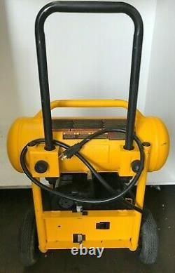 DEWALT D55146 4.5 Gallon Wheeled Portable Air Compressor, GR