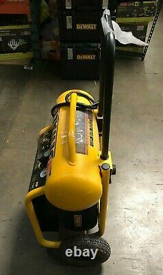 DEWALT D55146 4.5 Gallon Wheeled Portable Air Compressor LN