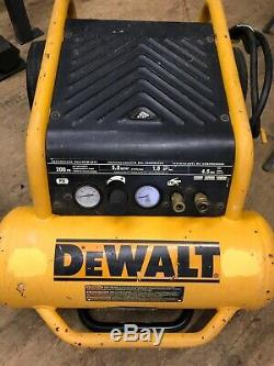 DEWALT D55146 Hand Carry Compressor with Wheels, 4-1/2-Gallon 200-PSI