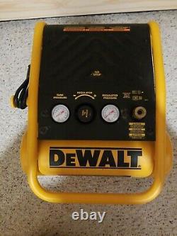 DeWALT D55140 1 Gallon 135 PSI Trim Compressor