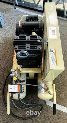 Ingersoll Rand 2-HP 8-Gallon Electric Dual Voltage Air Compressor (SPG039410)